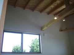 居室はシンプルに、そして明るく
