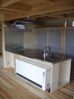 機能を優先に考えたシンプルな製作キッチン